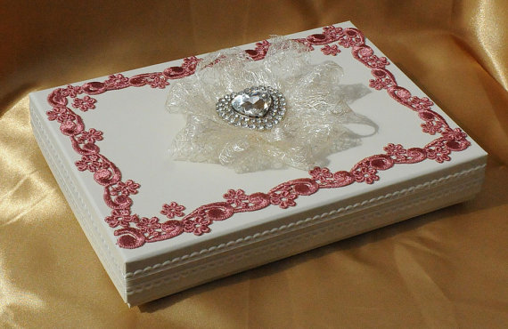 A5 Keepsake presentation wedding gift box. Ivory card box with dusky pink lace and diamante heart centrepiece